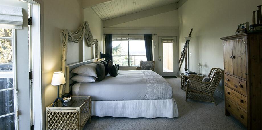 Stonecutters bedroom and balcony door