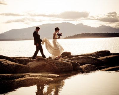 wedding couple salt spring island
